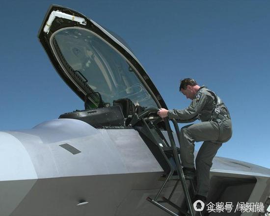 中国货就是糙?歼20外观能和F22精致程度比高低