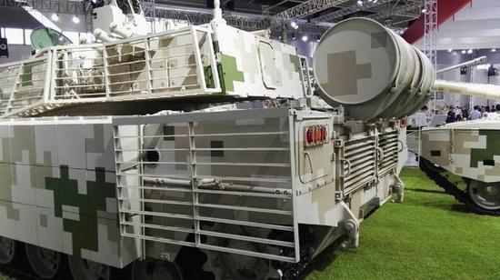 中国军工新型VT5轻型主战坦克火控系统相当先进 整体性能不俗