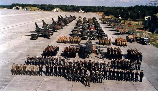 80年代中期驻东德的苏军苏-17部队