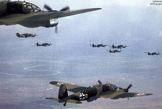 轰炸伦敦的德军He 111中型轰炸机机群