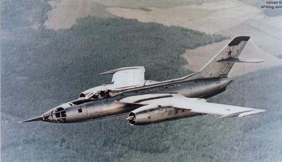 雅克-28轰炸机拥有更高效的突防能力
