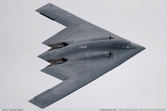 深度:轰20若不仿制美军B2轰炸机 连突破日韩都