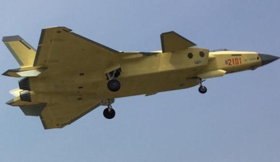 中国量产隐身战机的最大难关被攻克:美日都严禁这项技术出口中国