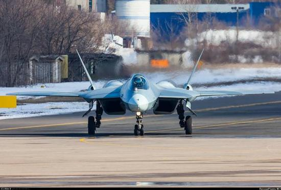 俄罗斯军用航空发动机差美国20年,中国差俄罗斯多少年?