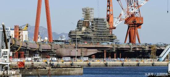 △日本媒体偷拍建造中的国产航母