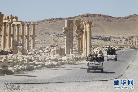 资料图:此前叙利亚政府军在巴尔米拉巡逻