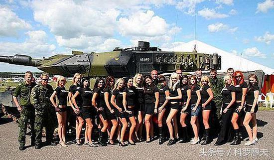 豹2A4,又一辆薄皮大馅坦克露了馅