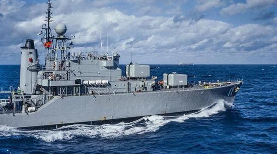 """中国向大洋发射洲际导弹,好多国家军舰都像""""恶狼""""般等着"""