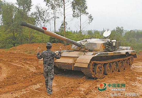 这是96式坦克?你认错了,此乃解放军的魔改金币车