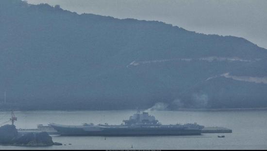 富美子之足 - 中国海军首艘航母辽宁舰近日进行
