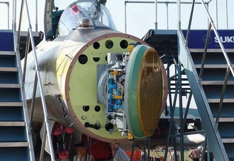 """苏-35所使用的""""雪豹-E""""雷达"""