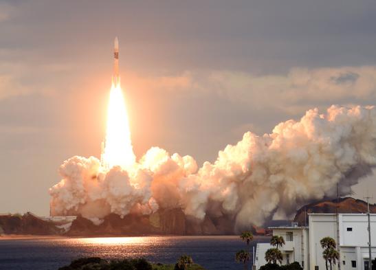 1月24日,阿曼首颗军用通讯卫星当日午后从阿曼果实岛航天核心顺利发射