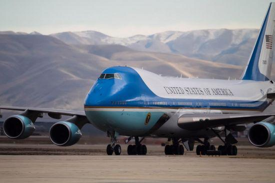 特朗普嫌总统座机太昂贵 美空军一号缩水成0.5号