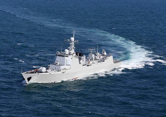 中国海军超10艘军舰潜艇在东海军演 与美日针锋相对