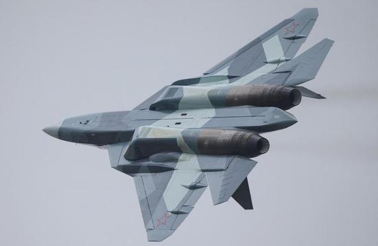 飞机制造厂将以每年2至3架的速度批量生产该型飞机