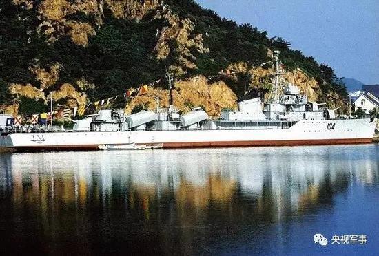 中国与美军舰对峙8昼夜 成功将其逼退