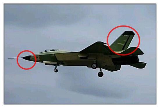 现在试飞这架02机,主要改进还是雷达和垂尾两大部分