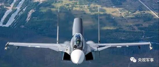 中国军机在黄海拦截美侦察机 国防部回应称安全专业