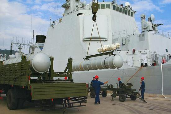 材料图:海红旗-9舰空导弹