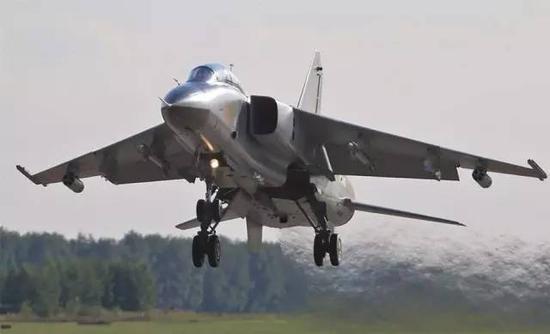 中国飞豹战机将参加航空飞镖大赛:打击精度达到米级