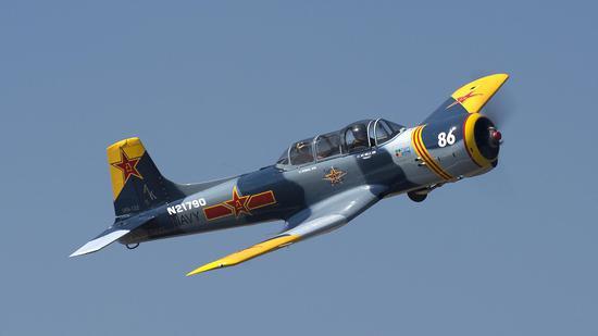 这款刷着中国军徽的飞机 为何能在美国自由飞行