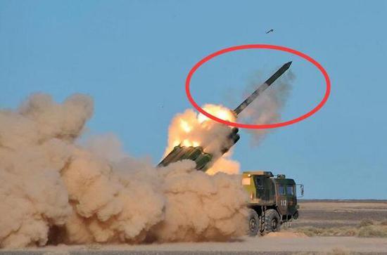 资料图:中国火箭炮发射