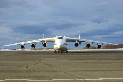 中国想要这款飞机:最大航程15000公里载重171吨