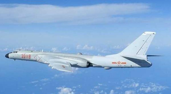7月20日,大陆空军宣布轰炸机,特种飞机编队进行远航训练,前出第一