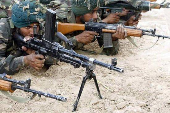 盘点印度军队轻武器 竟还用中国抗战时代旧机枪