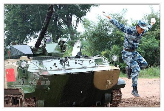 在这次比赛中 中国军队的表现极强的战斗意志
