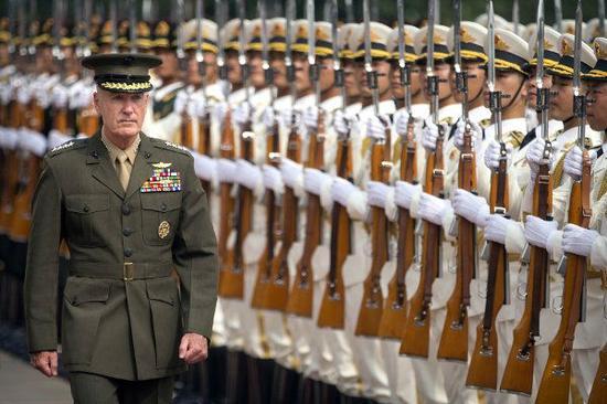 8月15日,邓福德开始对中国为期三天的访问。