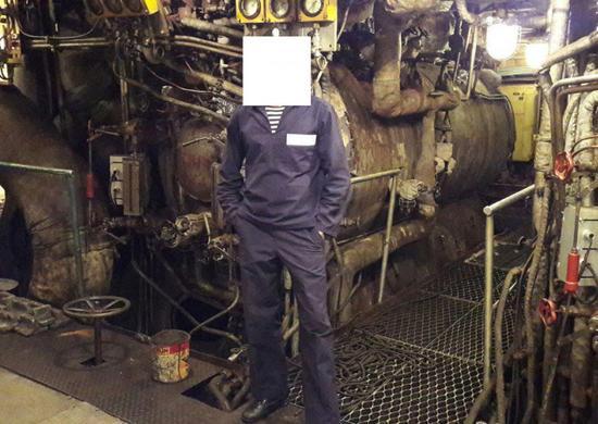 此前在社交網絡上出現的庫茲涅佐夫號鍋爐艙內景,可以看到鍋爐狀況非常糟糕