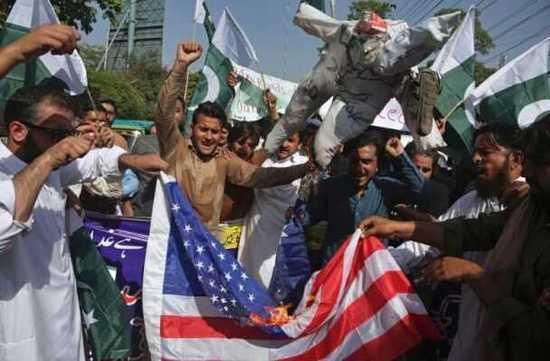 巴基斯坦群众焚烧美国国旗