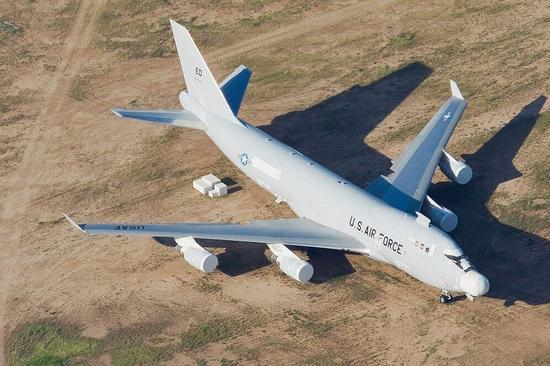 五代战斗机上,成为制式武器,用以实现对导弹,光电探测/导引设备,飞机