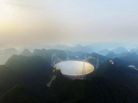 △2016年9月25日,贵州平塘:世界最大单口径射电天文望远镜建成投入使用。