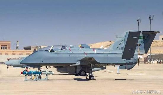 图片:伊拉克军队装备的中国产彩虹4B察打一体无人机。