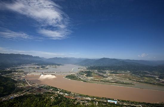 三峡全景 图片来源:国务院三峡工程建设委员会办公室