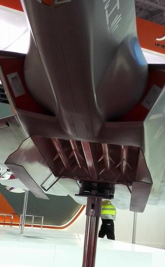 FC31开弹舱画面首次曝光 或无法挂载近距格斗导弹