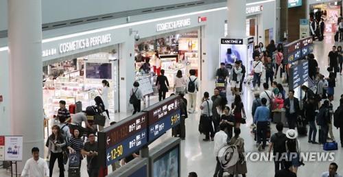 韩媒称萨德问题令中国游客持续锐减 韩商家处境艰难