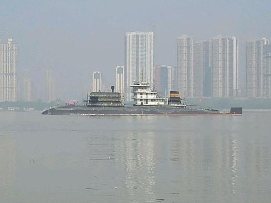 中国039B潜艇开始下饺子 两大船厂同时建造6艘(图)