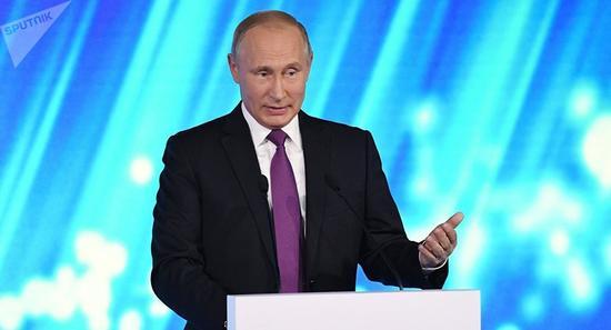 普京在瓦尔代国际辩论俱乐部年会上(图片来源:俄罗斯卫星网)
