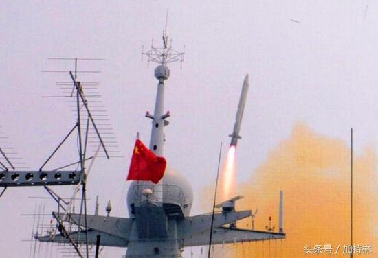 """近期,中国航天科工三院总师朱坤接受采访,揭示了鹰击18""""青出于蓝"""",甚至超越美俄反舰导弹的真相!"""