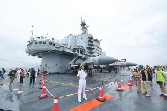 外媒妄称辽宁舰不能用于战斗 机库和维护区空空如也