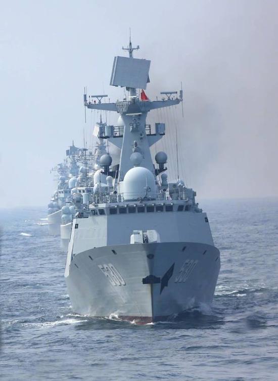 图注:054A型护卫舰有能力指挥现代级驱逐舰进行训练和作战。