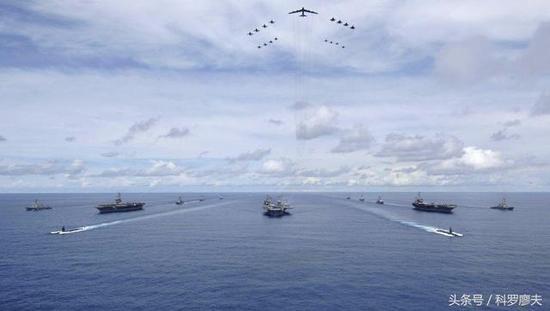 美三航母距朝鲜半岛仅400公里 若靠近中俄将是自杀
