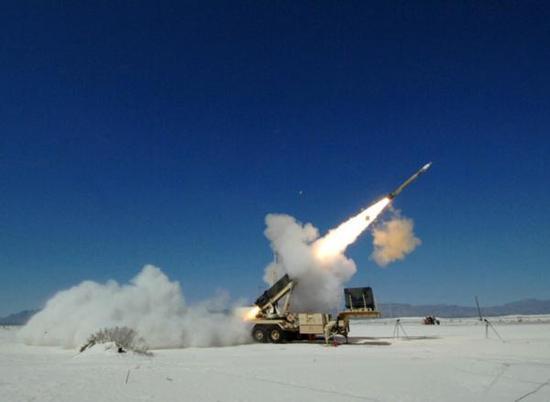 """据报道,沙特的""""爱国者3""""导弹系统现在实际上仍是由美军人员操作"""