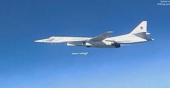 俄罗斯图-160M2下线对中国战略轰炸机发展有