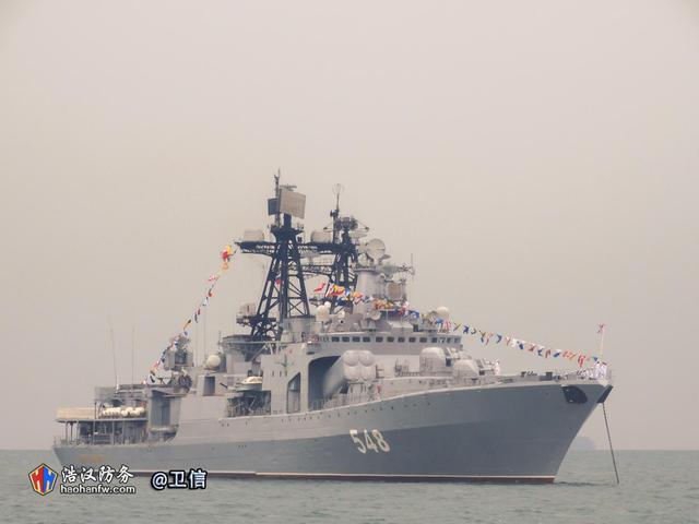 东盟阅舰式成中国造军舰舞台 领头的最小航母亮了