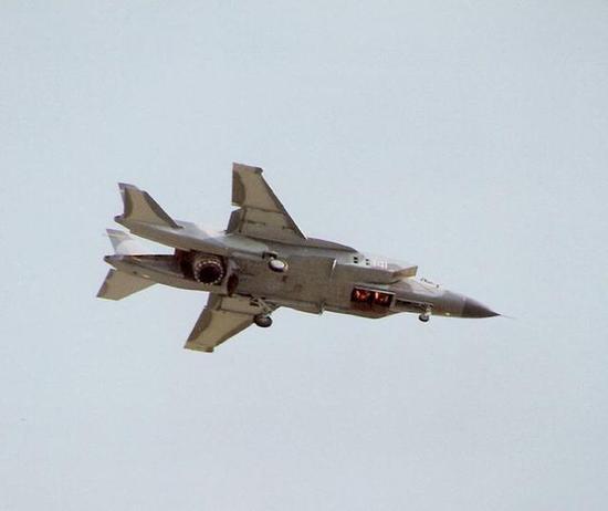 F35垂直起降并不容易 美军曾为此装15台发动机试验