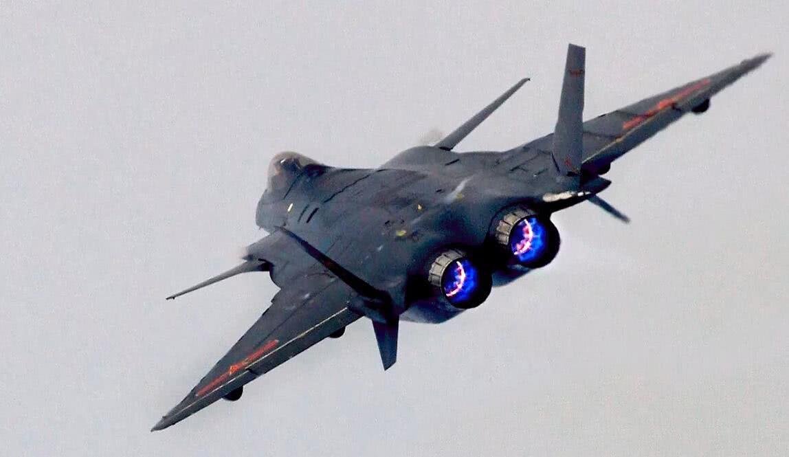 歼20先用俄罗斯发动机顶住试飞,这是很明智之举